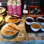 焼肉居酒家 韓の台所 - サラダバー