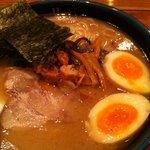 久留米らーめん 鐵釜 - 美味しくてたっぷり!