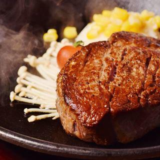200g~オーダー可能なステーキは部位や焼き加減もお好みで♪