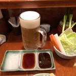 串膳 - 料理写真:生ビールと生野菜