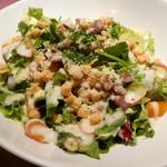 イタリアン食堂 Le gare - 自家製燻製ベーコンのシーザーサラダ