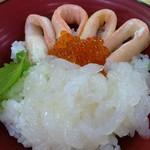 新湊鮮魚センター - 紅白丼(かに&白えび)1,850円