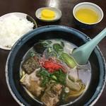 まるしん食堂 - 料理写真:ソーキそば&ライス