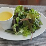 RESTAURANT LUKE with SKY LOUNGE - サラダとスープが合体。