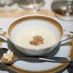 洋食 つばき - 百合根のポタージュ、アルバ産白トリュフ