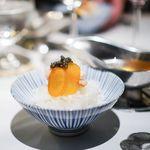 洋食 つばき - 生カラスミ、 越前蟹、 キャビア、 近江牛のスネ肉のコンソメスープ