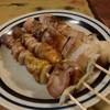 らんまん焼鳥 - 料理写真:【とりもつ2本】【豚串2本】各300円