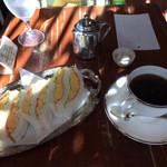 珈琲専門店 風見鶏 - 「エッグサンドイッチ」730円+「ブレンドコーヒー」620円ー150円(割引)