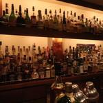 バー・プルーフ - たくさんの酒瓶