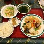 99167301 - 八宝菜定食(700円)