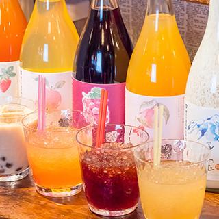 楯の川酒造・子宝シリーズの果実酒は580円〜