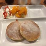 森のカフェひがしむきガーデンズ  - モーニングのパンケーキ