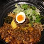 99171342 - ろかプレート + 限定の麻婆豆腐カレー(1050円)