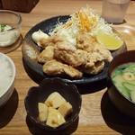 七色食堂 - 鶏の唐揚げ定食 850円