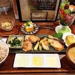 やさいの王様 - 野菜の王様定食(サラダバー1回分)