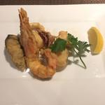 トラットリア ラ ストラーダ - 魚料理 魚介類のローマ風フリッター 牡蠣、イカ、エビ、ホタテの貝柱