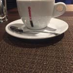 トラットリア ラ ストラーダ - KINBO カップ、シュガー、スプーン全てイタリアのブランドらしい…