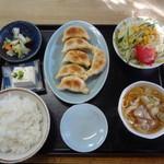 共栄ラーメン - 餃子定食