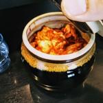 焼肉丼 たどん - 壺入りキムチ食べ放題!