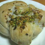 パン工房 Pao - 料理写真:くりとクルミ (150円)