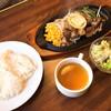 ステーキのくいしんぼ - 料理写真:カットステーキ(990円)
