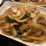 ひげ - 豚肉のカラシ炒め