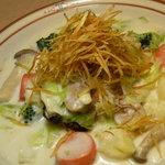 のんびりーと - 冬野菜クリームソースハンバーグ ライス(パン)味噌汁(スープ)付 1,000円