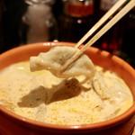餃子とスパークリング バブルス - 炊き餃子リフト