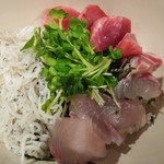 魚感うえさき - 海鮮丼アップ