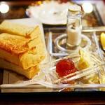 珈琲亭 ルアン - 『厚切りトースト』