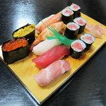 寿司割烹よつや - 特上寿し