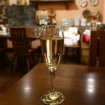 ワイン食堂tapa tapa - Cava Yate Brut