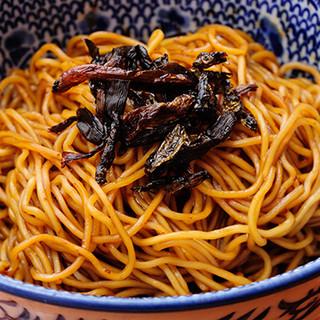上海近郊のローカル・グルメ、まぜそば「拌麺(ばんめん)」
