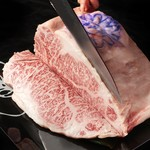 焼肉 牡丹園 - 神戸牛ロース塊肉