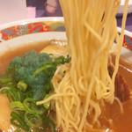 千番 - 麺リフト