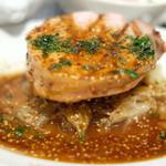 99238565 - ランチコース 1000円 の豚ロース肉の炭火焼き マデラ酒と粒マスタードのソース