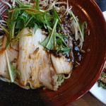 四川麺匠 炎 - 汁なし黒ゴマ坦々麺(トッピング:チャーシュー)