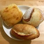 パン・オ・トラディショネル - 料理写真:「はちみつ」「チャバタ」「プチバゲット」