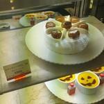 99250147 - 季節のケーキ シャンティーマロンとパンプキンプリン