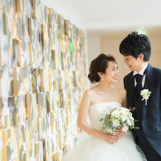 開放感溢れるモダンスタイルの店内で、結婚式を