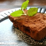 山の洋食屋 フレール - 試作中デザート、ガトーショコラ