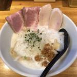 麺処 飯田家 - 料理写真:鶏白湯ラーメン♪