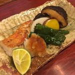 東家 - 鯛の塩焼き