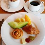 ポム・ダダン - ポム・ダダンの朝食