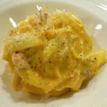 カリーナ カリーナ - 紀州うめ卵と自家製パンチェッタ カルボナーラタヤリン白トリュフの香り