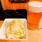 焼き鳥 あきちゃん - 「スーパードライ(390円)」とお通し