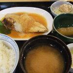 キッチン・カフェ ばる - さばのおろし煮定食