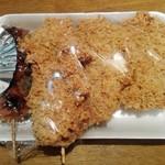 宇佐美精肉店 - 料理写真:左からつくね串揚げ風のなんとかメンチカツ2枚
