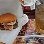 ウェンディーズ・ファーストキッチン - マッシュルームメルトチーズベーコンエッグバーガーセット。