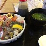 99300341 - スペシャル海鮮丼    2100円